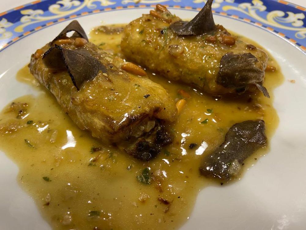 CASA ESCARTÍN (Zaragoza). Pencas de acelga rellenas de foie y trufa.