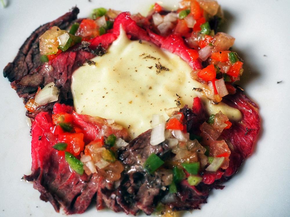 EL FORO (Zaragoza). Menú jornadas trufa. participan con roastbeef con salsa 84 trufada, y escalopines de ciervo.